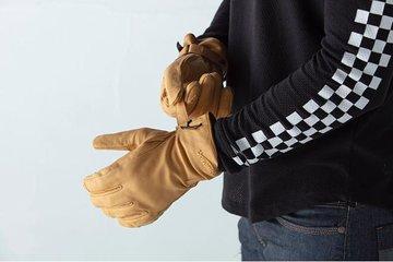 Dereham Sand Glove